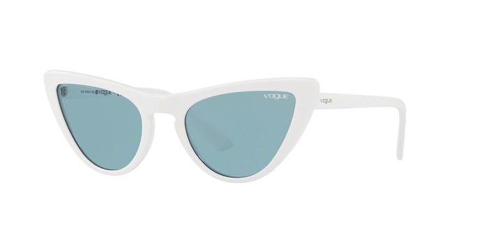 Vogue VO5211S 260480 occhiale da sole donna, forma montatura cat eye colore bianco lenti blu. Tuoi con spedizione gratuita.
