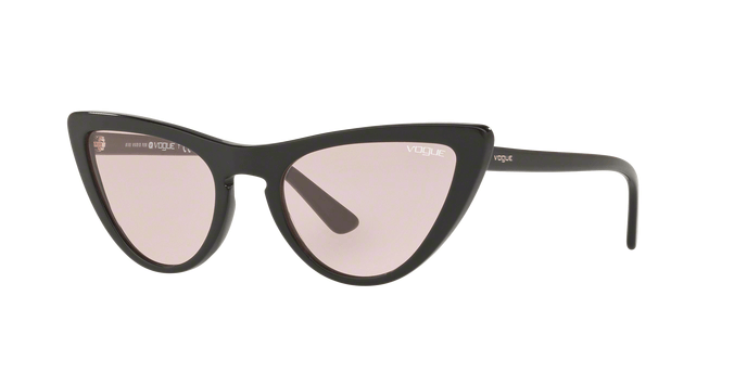 Vogue VO5211S W445 occhiale da sole donna, forma montatura cat eye colore nero e lenti rosa.